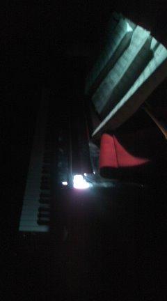 今日はグランドピアノ…